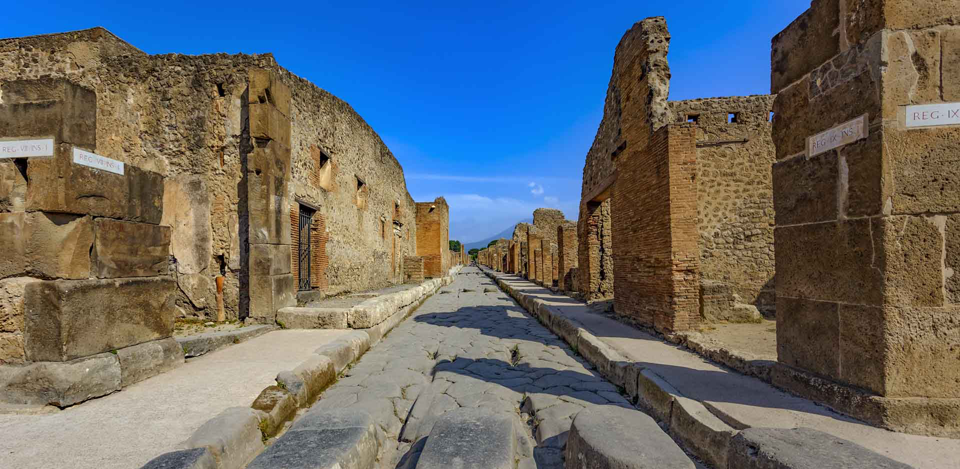 Pompeii with High Speed Train & Car